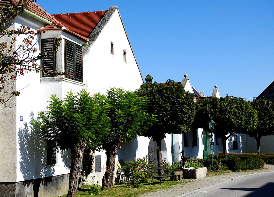 Historische Häuser im Ortskern Breitenbrunn