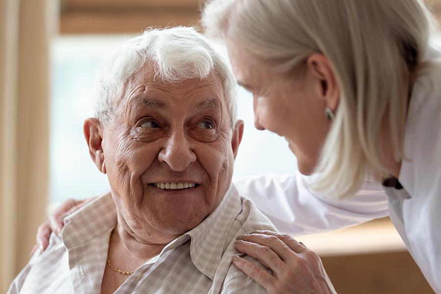 WohnPartner Bewohner mit Betreuerin